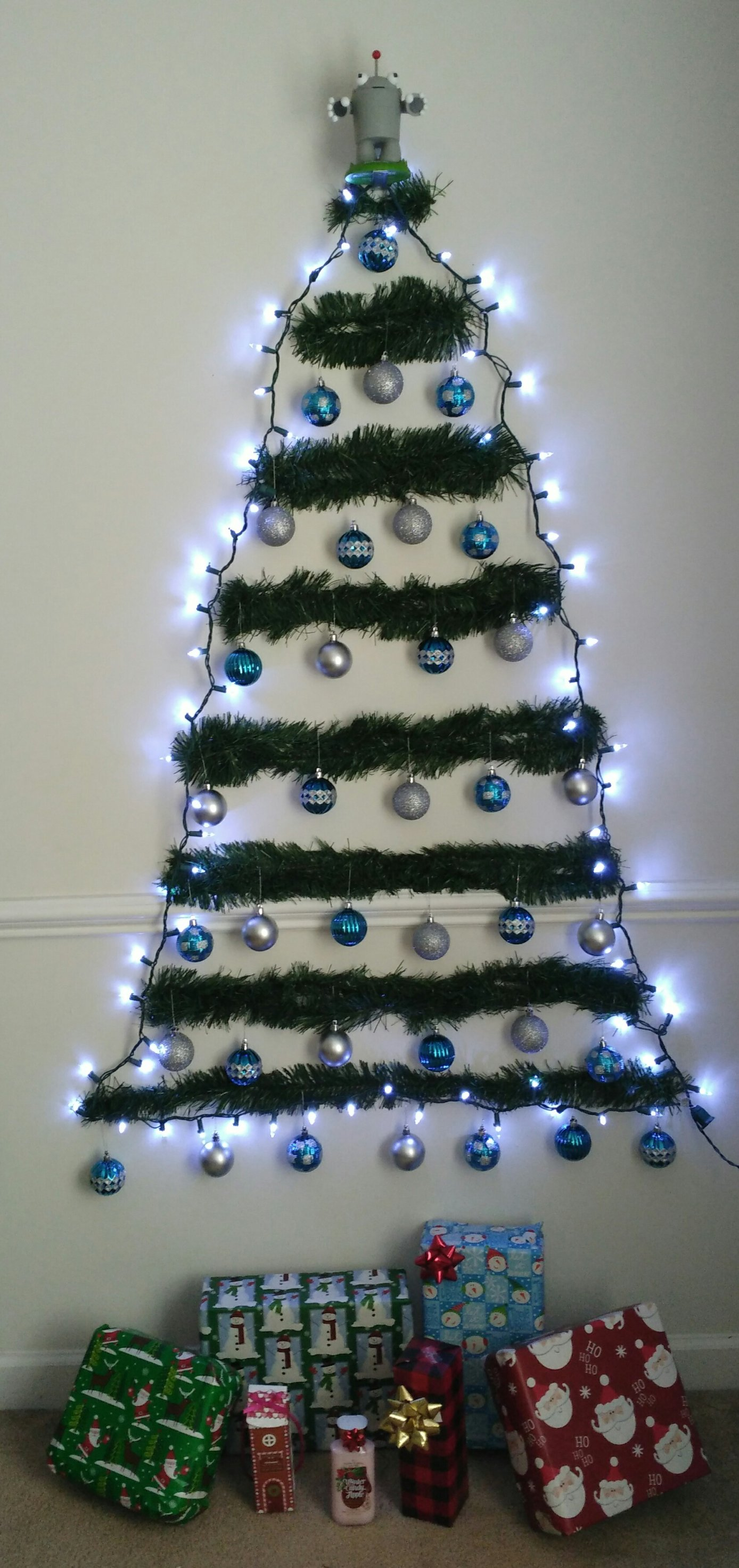 Moz inspired SEO Hero Christmas Tree